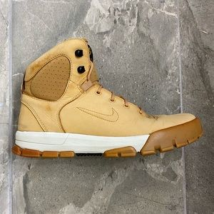 Nike Air Nevist 6 ACG Boots Haystack Men's Size 9